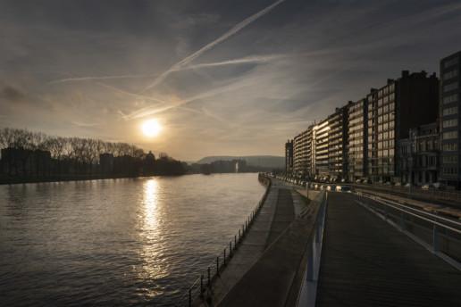 Liège en bord de Meuse sur la passerelle la Belle Liégeoise - Quanah Zimmerman